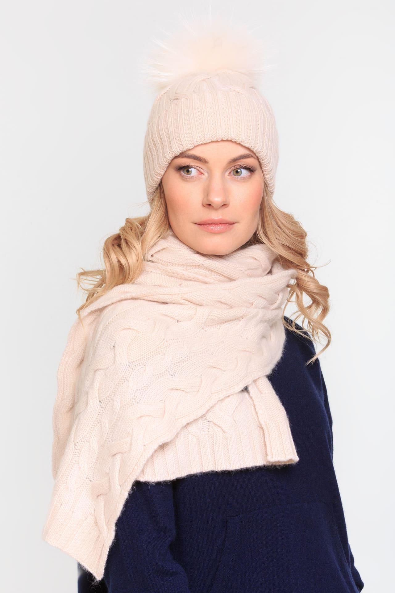Кашемировый шарф с косами